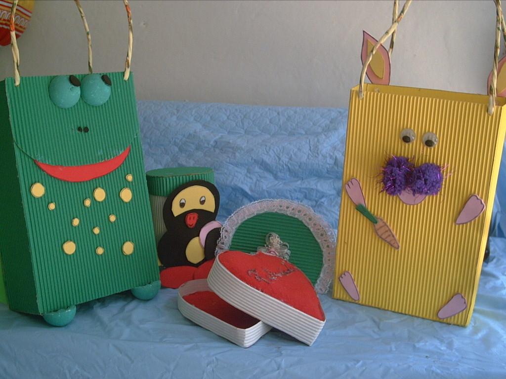 Manualidades con cajas de carton car interior design - Manualidades en carton ...