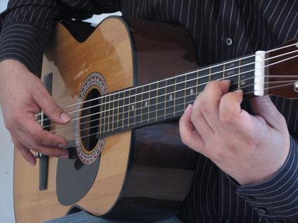 Cómo arpegiar.   clases de guitarra gratis, clases de guitarra electrica, clases de guitarra flamenca