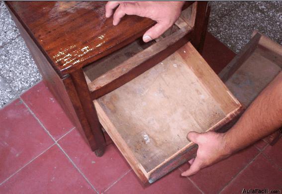 Curso gratis de restauraci n de muebles de madera lijar for Restauracion tejados de madera