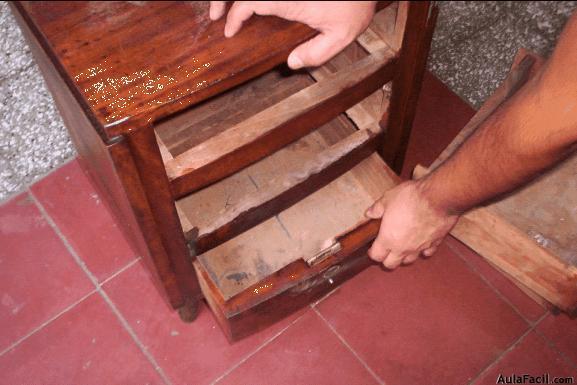 Curso gratis de restauraci n de muebles de madera lijar for Clases de restauracion de muebles