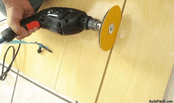 Cortar el pliego de melamina elaboraci n de muebles con for Curso fabricacion de muebles en melamina