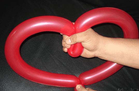 Formando el corazn Figuras con globos II AulaFacilcom Los