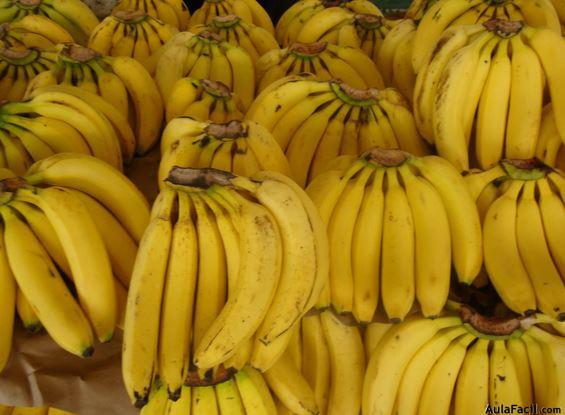 Beneficios de consumir plátanos o bananas. Salud aulafacil.com