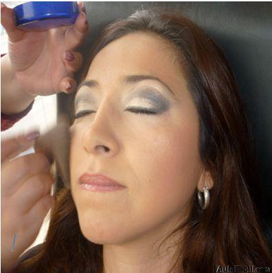 Sellando el maquillaje