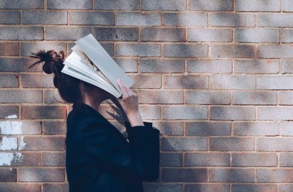 cabeza libros