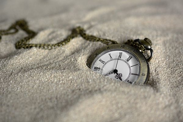 pocket watch 3156771 1280
