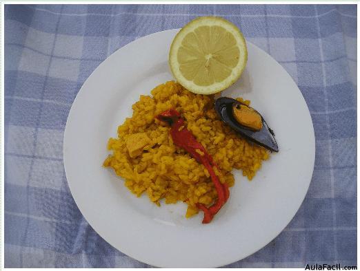Paella de arroz con mariscos emplatado de la paella - Temario fp cocina y gastronomia ...