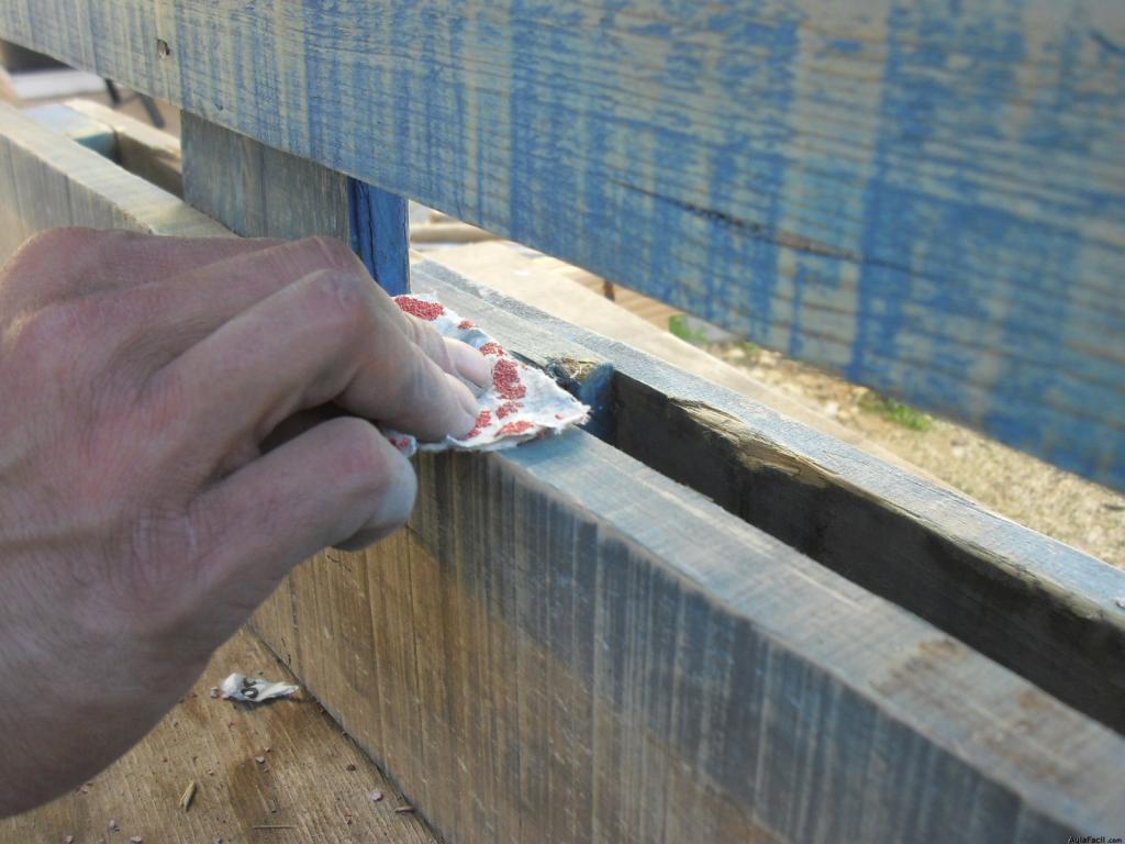 Curso gratis de construcci n de mobiliario con palets - Pintar palets sin lijar ...