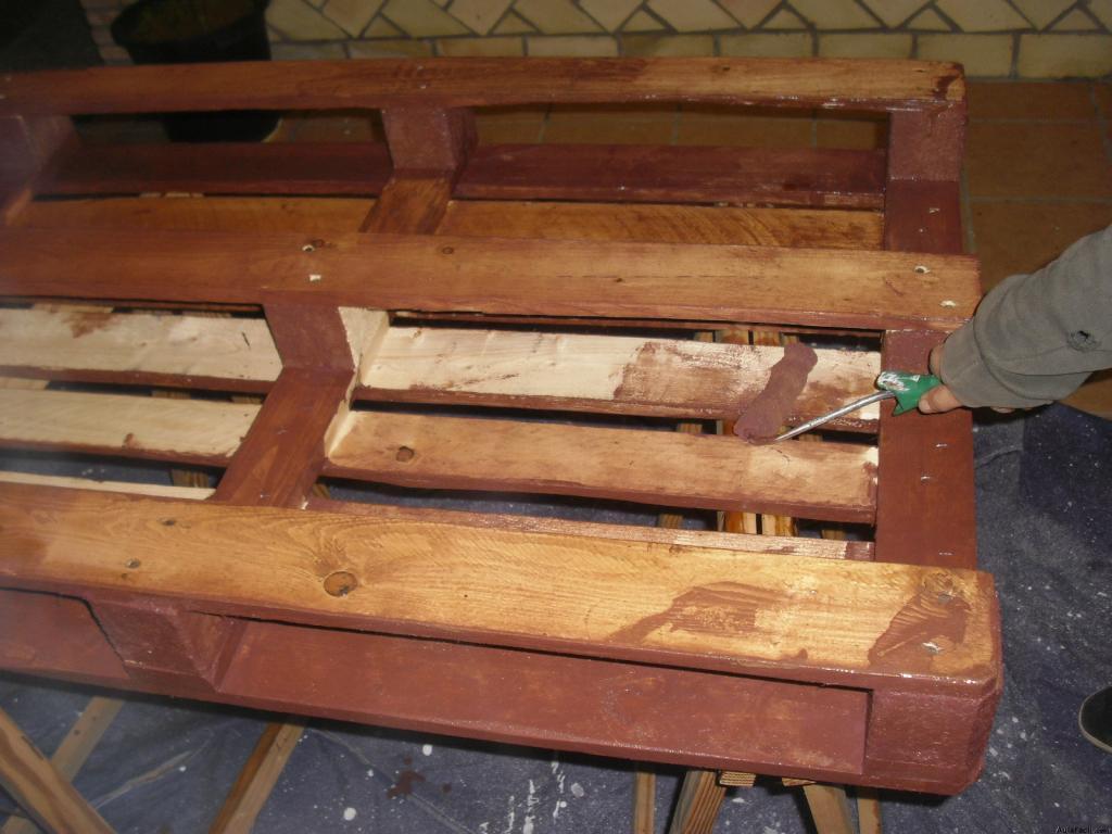 Mobiliario con palets palet mesita el palet sof de - Muebles de palet ...