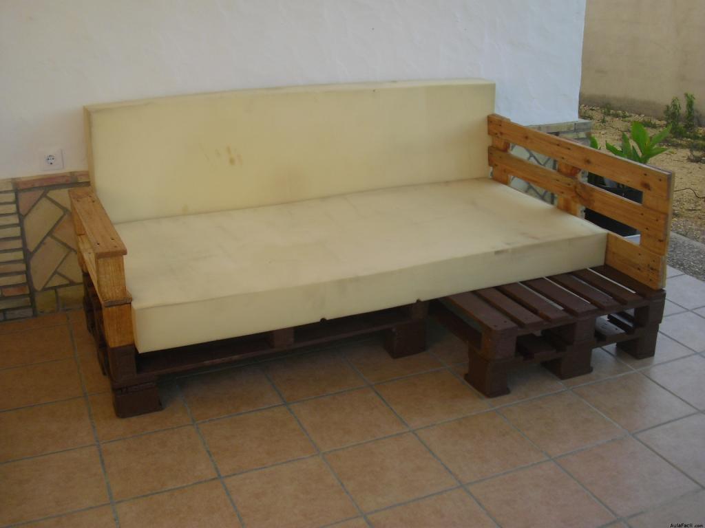 El Sofa Con Palets Goma Espuma Y Acabado Construccion De